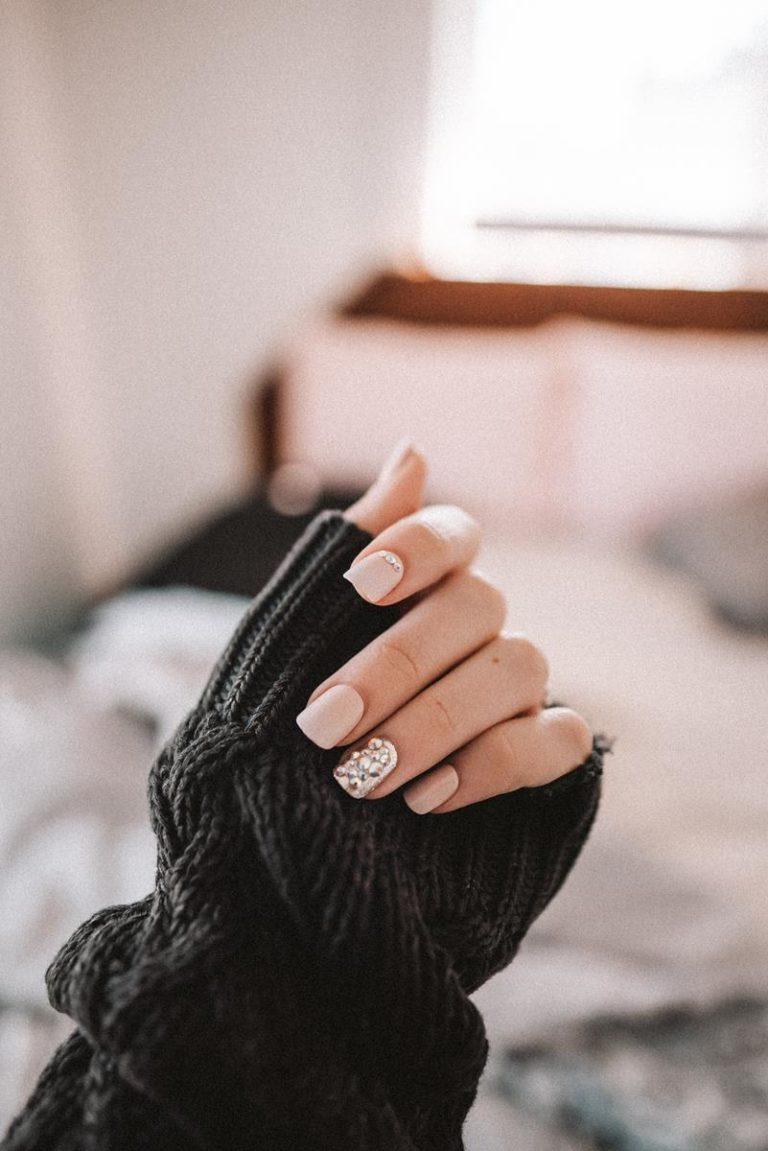 Wygląd twoich paznokci pozostawia bardzo wiele do życzenia?