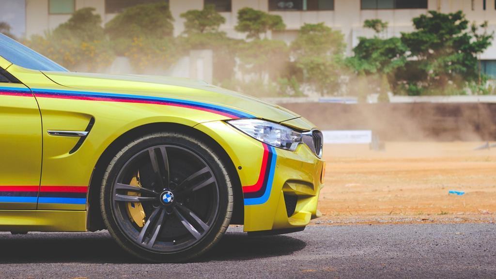 Jakie oklejanie auta folią będzie najlepsze?