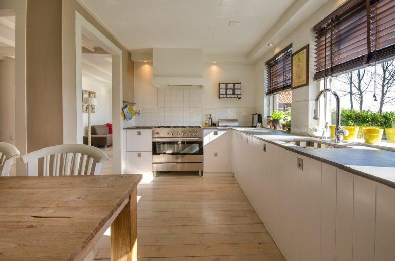 Jak zaprojektować wygodną i funkcjonalną kuchnię?